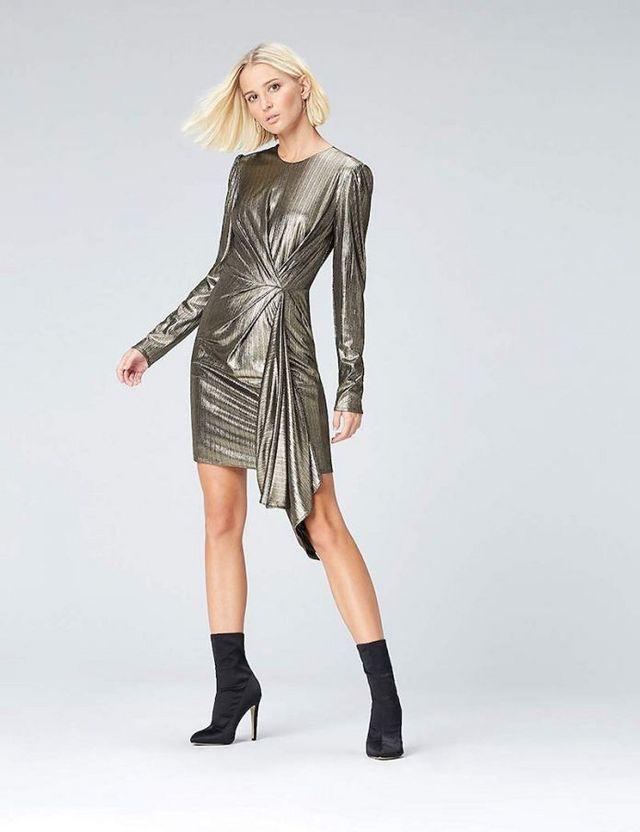 aff86aeea3cf Tra i vari trend fashion non potevamo non parlare del metallizzato o lamè.  Sicuramente è una delle tendenze più impegnative da indossare, perché con  molta ...