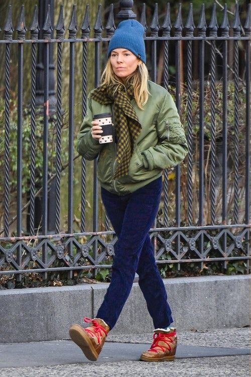 cc904add194b Sienna Miller s Winter Boots Prove Style   Warmth Aren t Mutually ...
